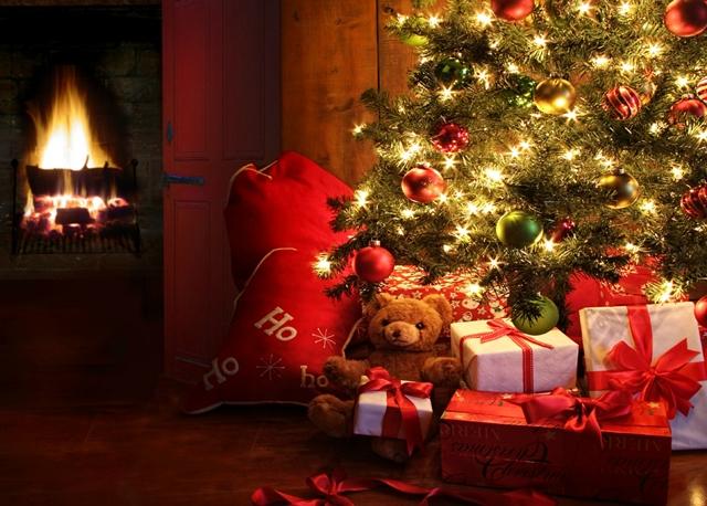 НА МОРЕТО   Честита Коледа!