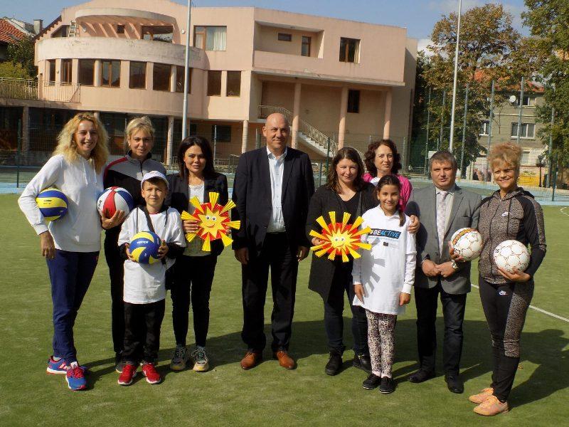 a443abaad0f Чрез открити уроци по хандбал и борба днес Поморие стана част от  Европейската седмица на спорта #BeActive, чийто национален координатор за  България е ...