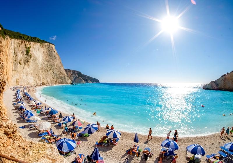НА МОРЕТО | На море у нас или в Гърция? Къде е по-евтино?